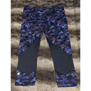 lululemon athletica Pants & Jumpsuits - Lululemon Pace Rival Crop - Purple Camo